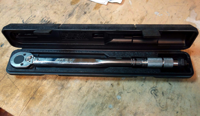 Динамометрический ключ щелчкового типа JTC 465 мм 28-210 Нм 1/12-1203